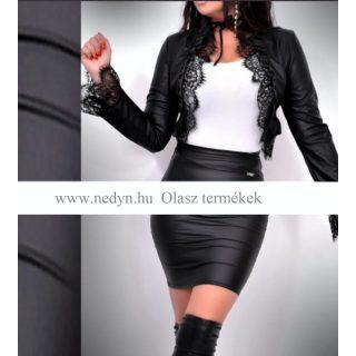 Laura fekete színű műbőr hatású csipkézett rövid női blézer - Olasz termék